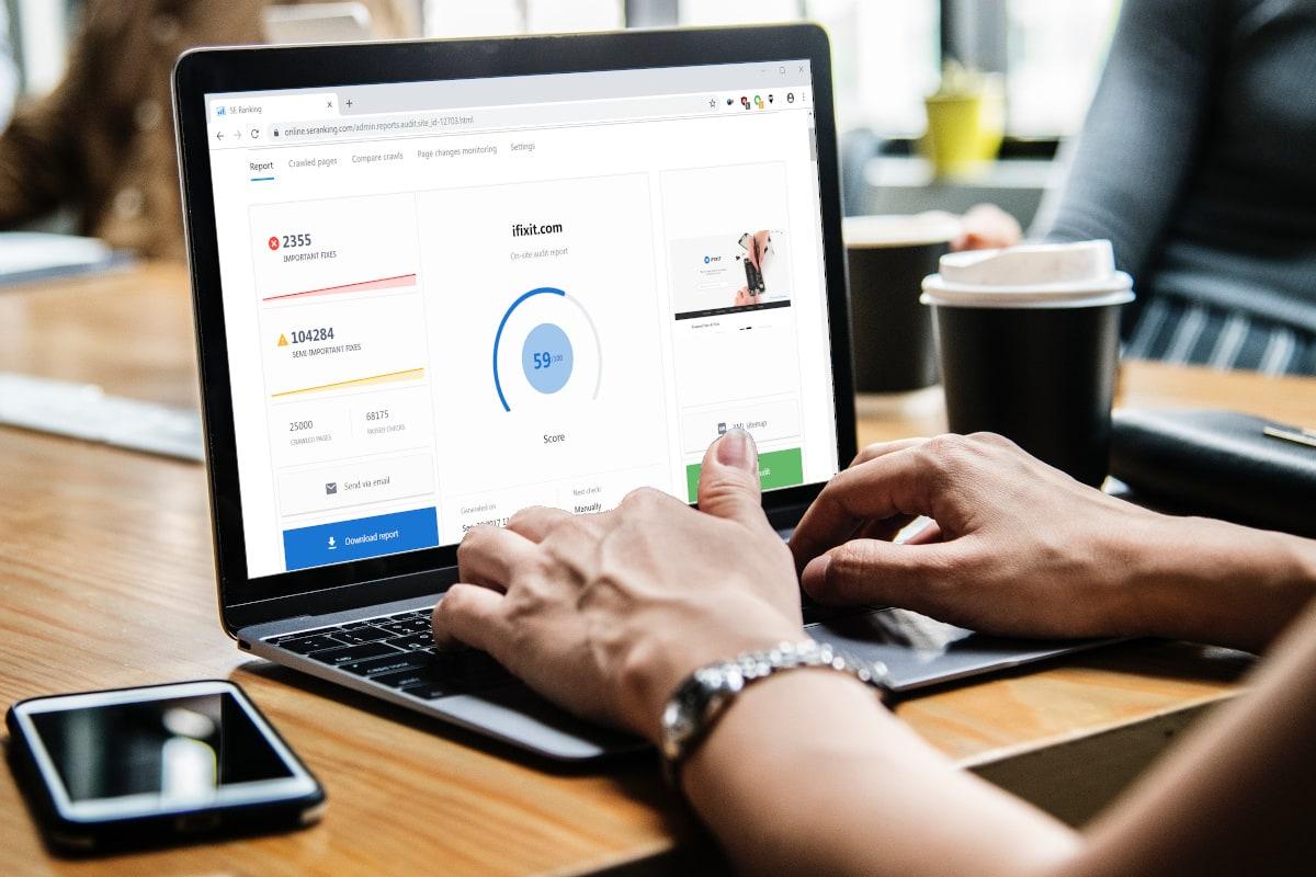 Co analizować pozycjonując stronę internetową? SE Ranking podpowie
